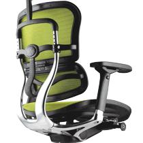 Ортопедическое компьютерное кресло с поддержкой поясницы